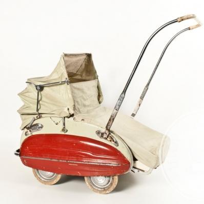Carrozzina Wisa-Gloria anni '40