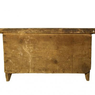 Piccola cassapanca in legno telovendoio for Piccola casetta in legno