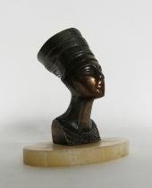 Scultura Nefertiti in metallo bronzato con base marmo