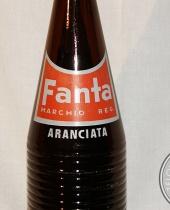 Bottiglia in vetro scuro Fanta Aranciata