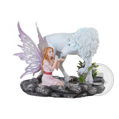 Fata Nilanja con Unicorno