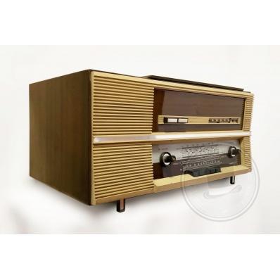 Radio d'epoca Magnafon FM 219 con giradischi