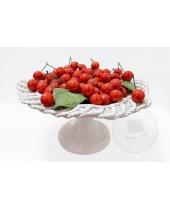 Cestino di ciliegie in ceramica