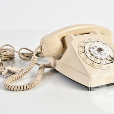 Telefono vintage bianco