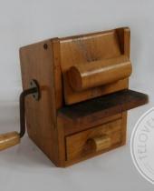 Grattugia in legno vintage